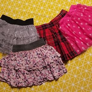 4 girls skirts